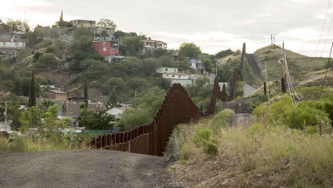 Some bidders are expressing skepticism about the federal government's handling of the bid process for the border-wall prototype.