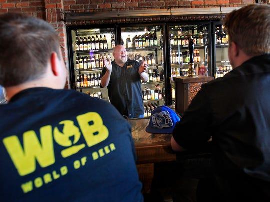 -APCBuzz World of Beer 010 030415 wag.jpg_20150304.jpg