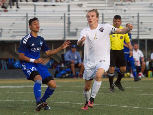 Desert Hills soccer beats Dixie 4-3 in Region 9 opener Tuesday, March 21, 2017.