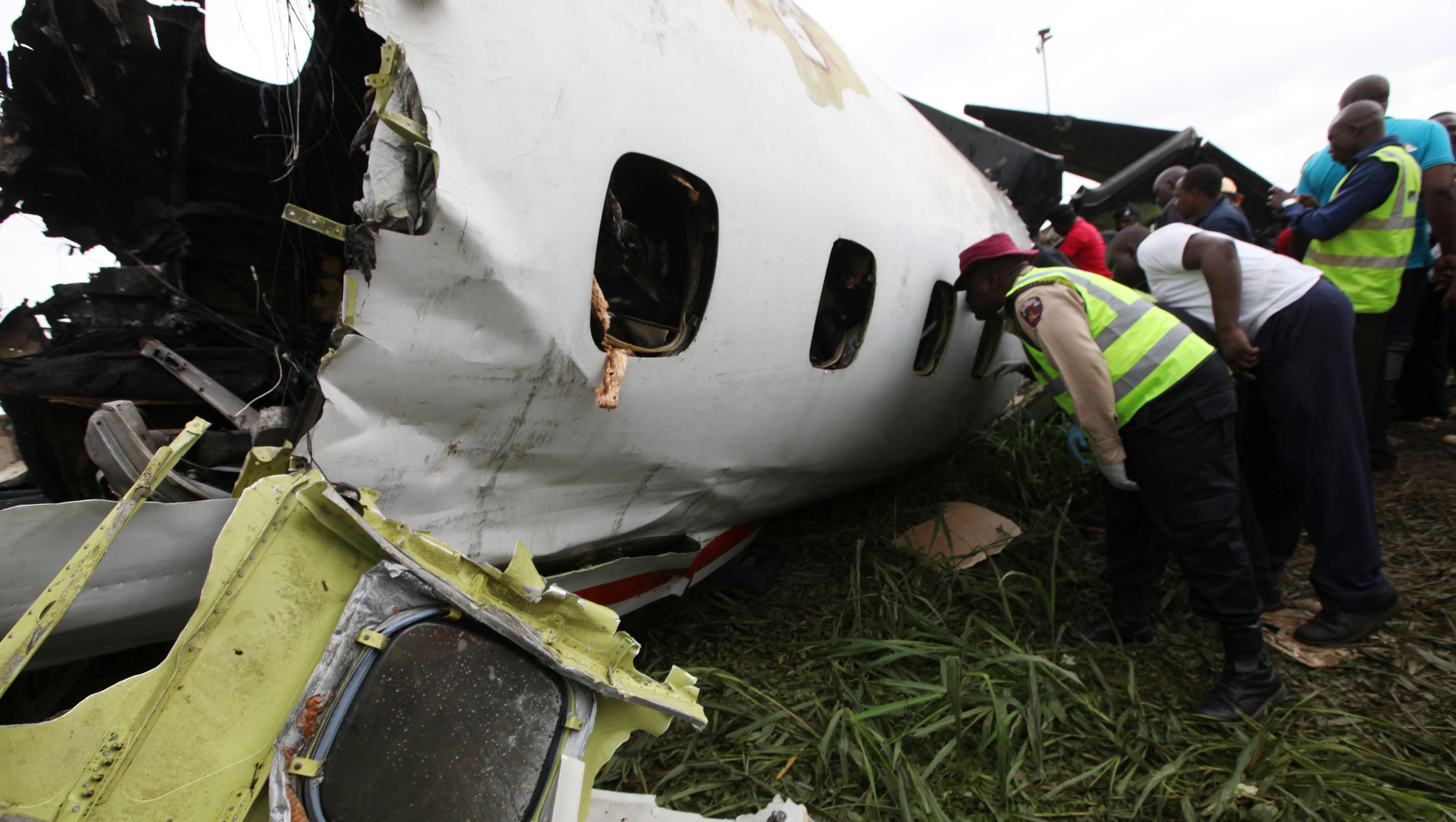 up to 16 killed as plane nose