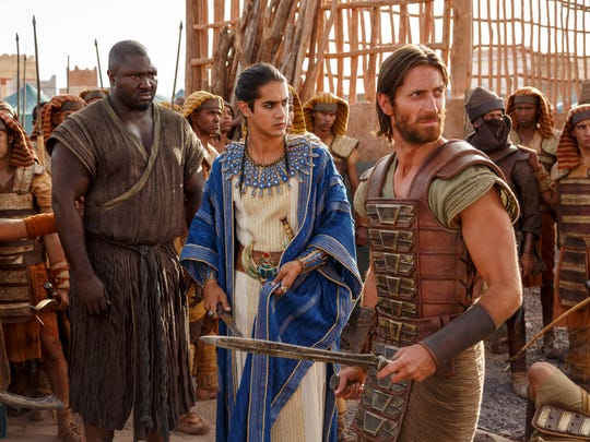 (L-R) Nonso Anozie as General Horemheb,  Avan Jogia