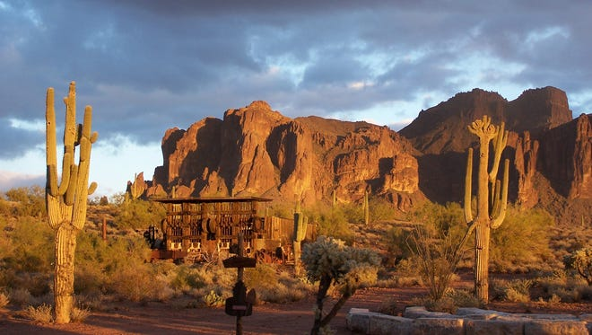A hiker died Saturday after having trouble breathing near the end of a trail in the Superstition Mountains.