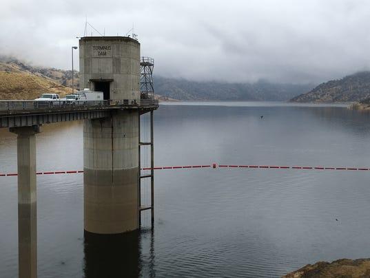 635981420550818525-lake.jpg