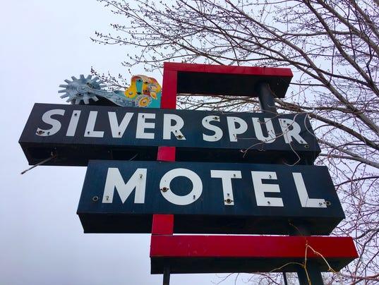 636233673169048550-Silver-Spur-Motel.jpg