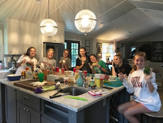 636410837844222690-Teenage-Cooking-Class-Picture.jpg