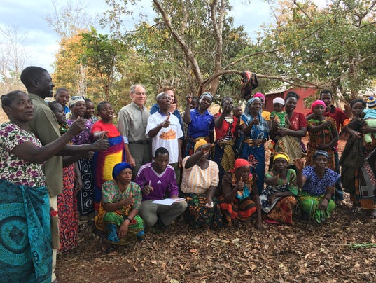 636423302751827249-Tim-Jergenson-visits-with-Farmer-Group-in-Songea-Region-Tanzania.jpg