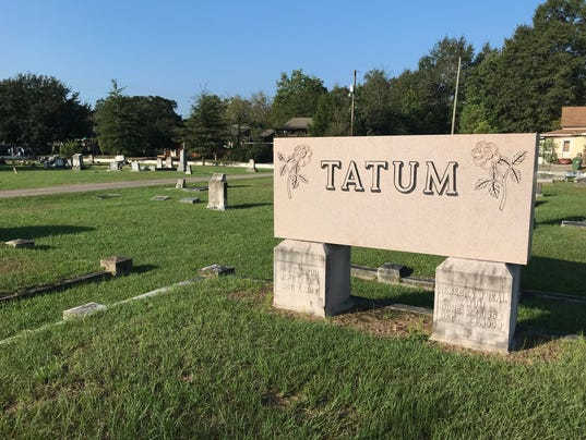 636434028588811176-cemetery.jpg