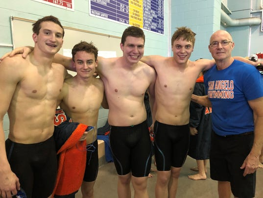 636532976132848518-Coach-Hague-and-boys-200-freestyle-relay.jpg