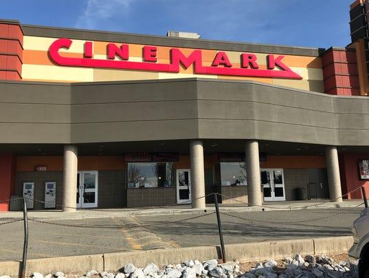 Cinemark 14 wants to serve beer, wine