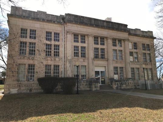 636559424666388518-schleicher-county-courthouse.jpg