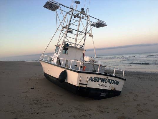 Commercial fishing boat runs aground near ventura harbor for Ventura sport fishing