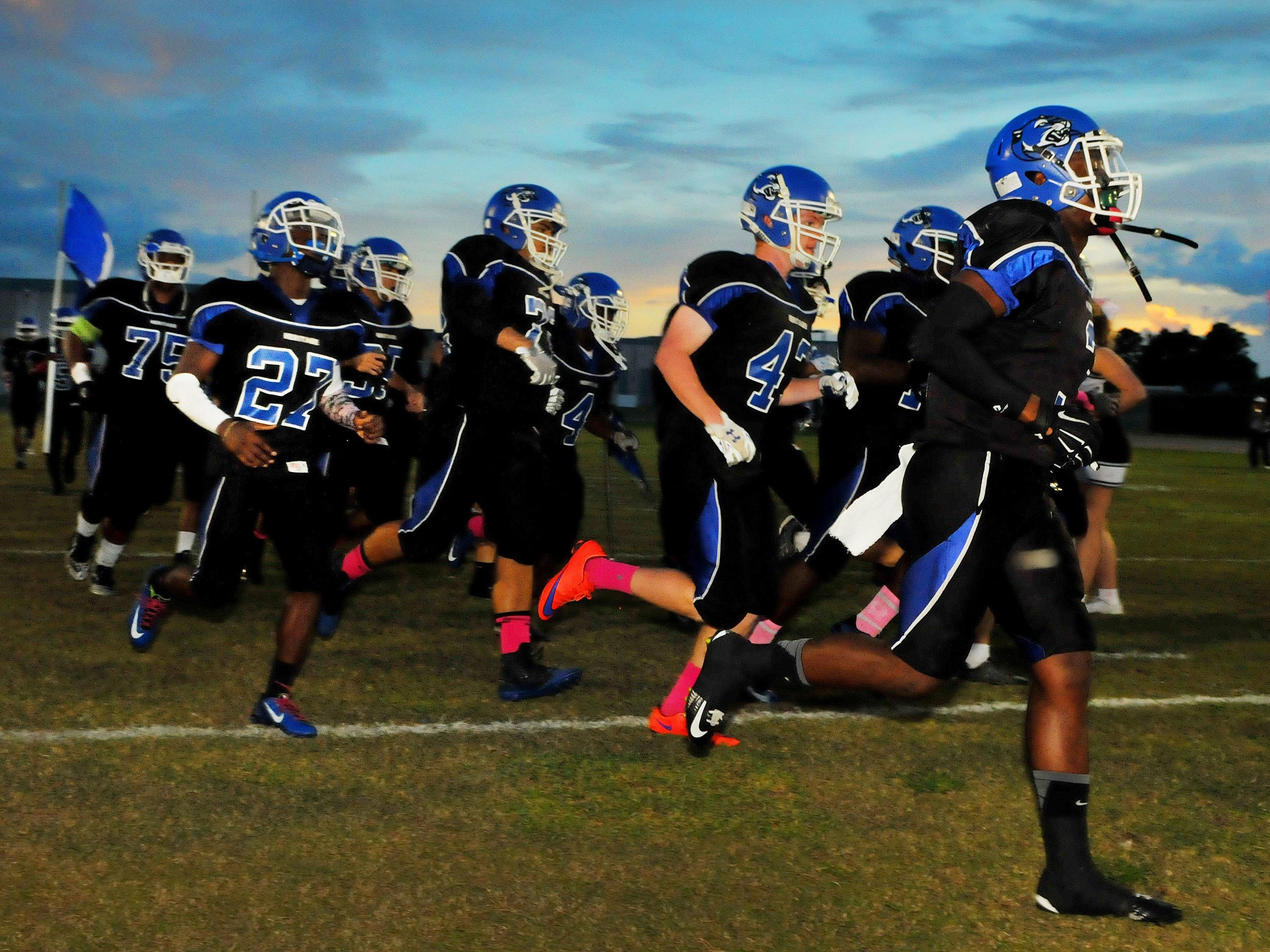 Heritage High headed to south to play at Jensen Beach High on Friday night.