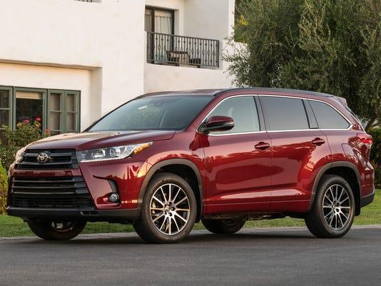 636409824496737949-2017-Toyota-Highlander-crossover.jpg