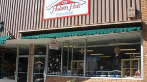 Holsen Hus is closing its downtown store.