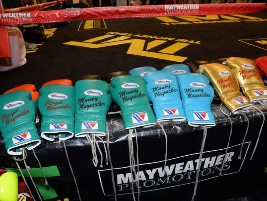 050214-boxing-gloves-file