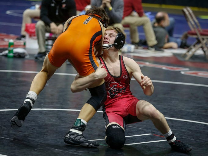 Photos: State Wrestling Friday Semifinals