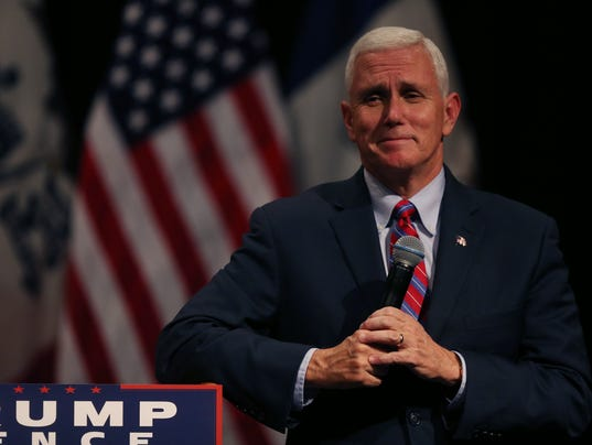 Mike Pence, republican vice presidential candidate, speaks to a crowd ...