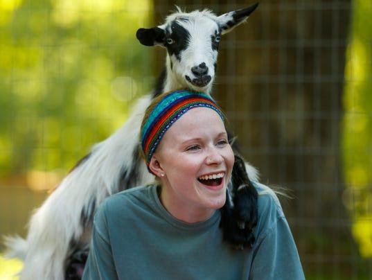 636626743441344360-goats21.jpg