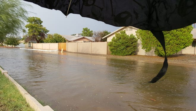 Flooding along Lindenberger near 43rd and Cactus on Sunday, Oct. 18, 2015