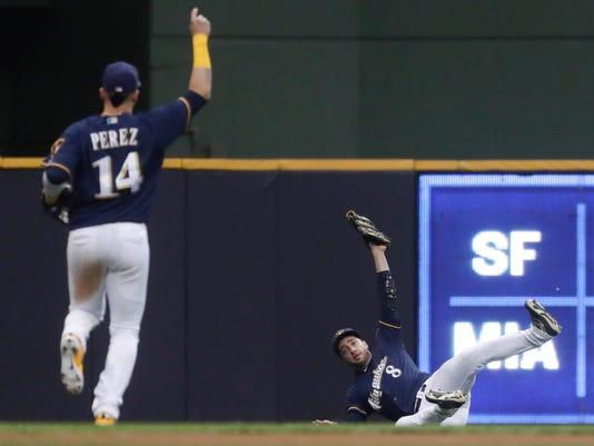 Cubs_Brewers_Baseball_11618.jpg