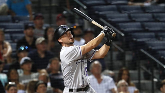 The Reds signed 35-year-old Ryan Raburn to a minor-league contract with an invitation to big-league spring training.
