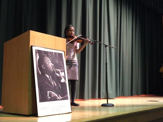 Jocelyn Hedgemen performs a selection on the violin