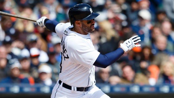 Detroit Tigers right fielder J.D. Martinez (28).