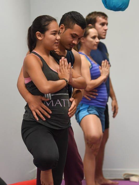 636398395710884190-Prenatal-yoga-01.jpg