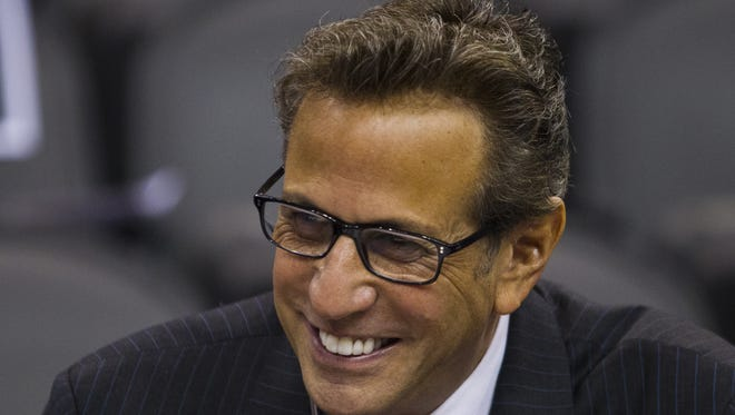 Suns play-by-play announcer Steve Albert has announced his retirement.
