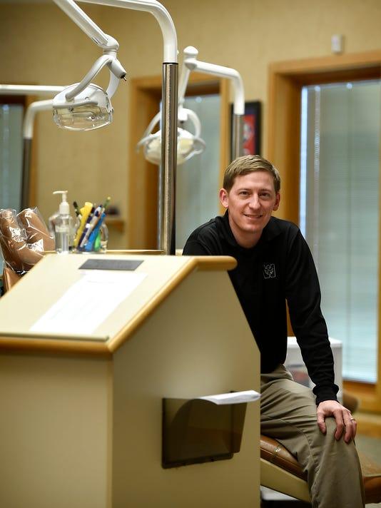 ldn-mkd-112116-dentist