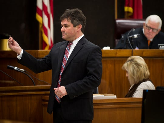 James Scott, attorney for Lee Cromwell, speaks to the jury during Cromwell's trial at the Anderson County Criminal Court on Wednesday, Feb. 15, 2017.