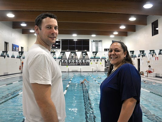 635914319113382975-Sarah-Lawrence-head-coach-Eric-Mitchell-and-assistant-coach-Allison-Curley-at-a-recent-practice-2.jpg