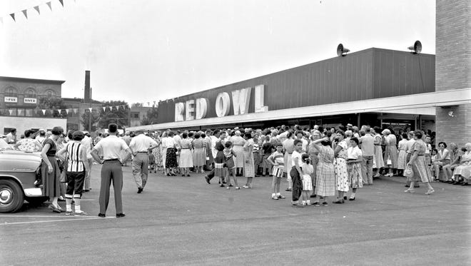 The Red Owl store on the corner of Richmond Street and Wisconsin Avenue in Appleton on its opening day in 1955.