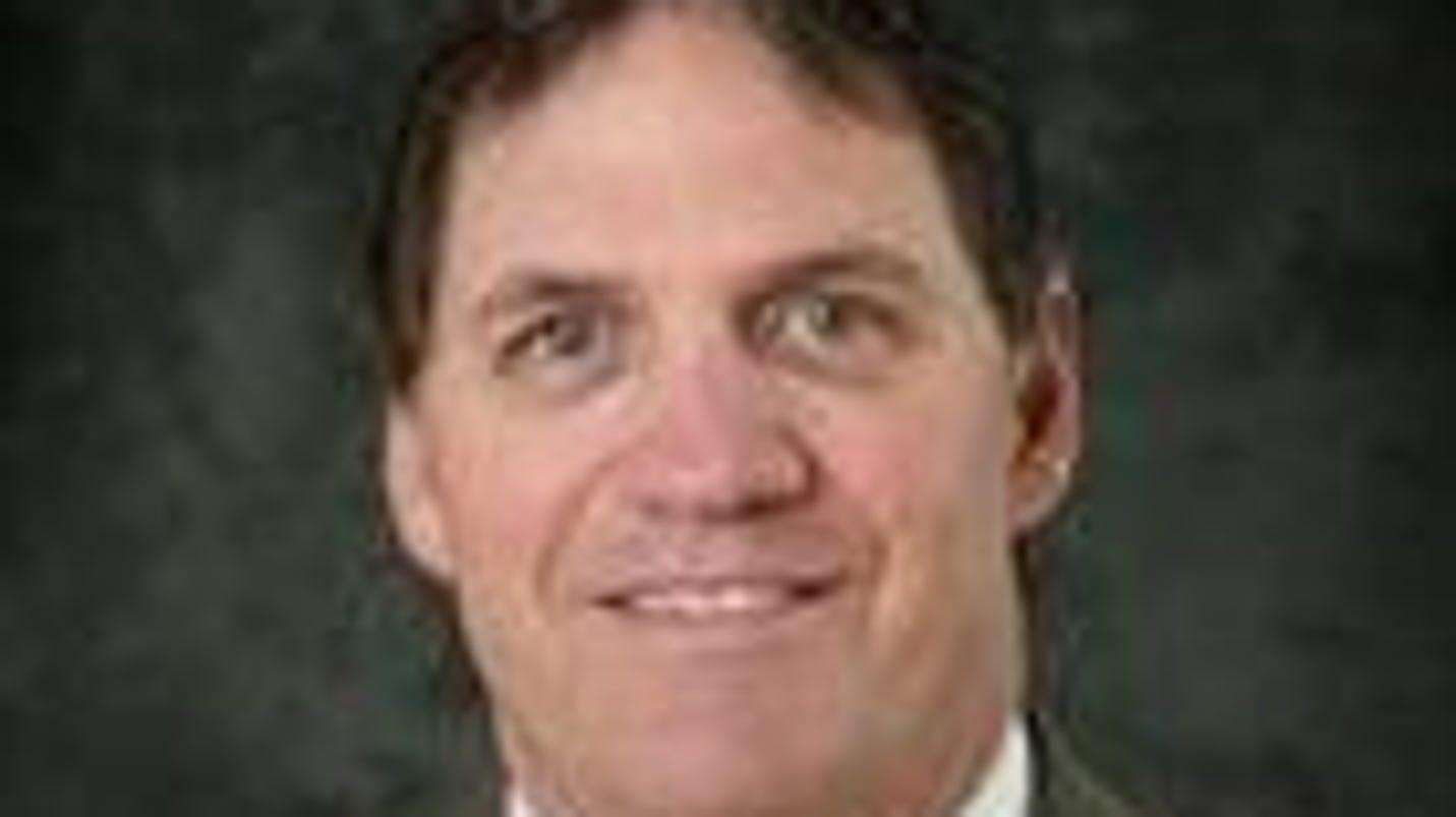Michigan Tech hockey coach sorry for postgame fracas