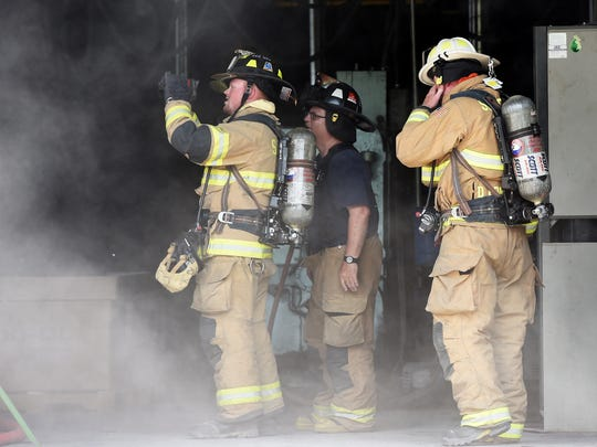 MIKE LAWRENCE / COURIER & PRESS ARCHIVES