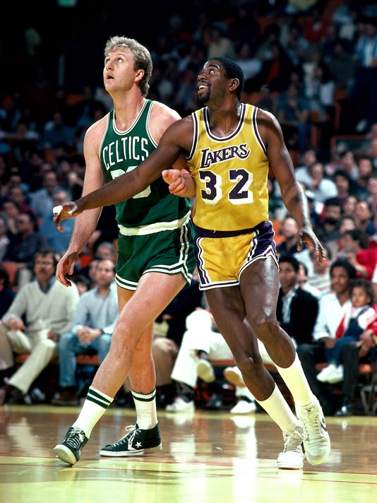 XXX LARRY BIRD AND MAGIC JOHNSON POSITION FOR A REBOUND 1706669AB_DNA007615055 SD6702.JPG S BKN USA CA