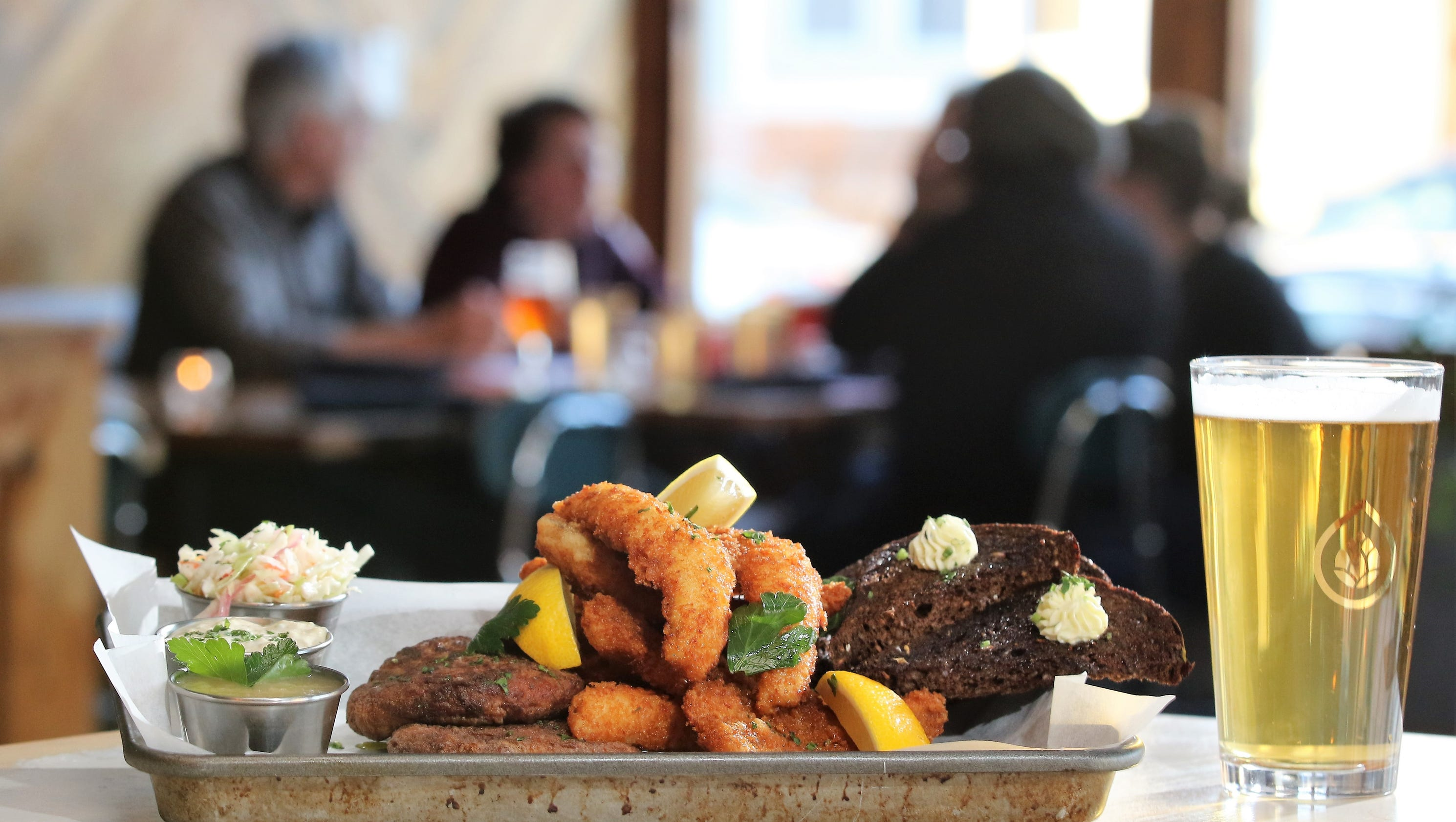 Looking for a milwaukee fish fry near you here are 7 new ones for Good fried fish near me