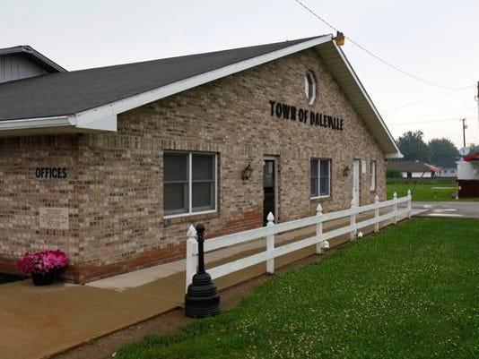 Daleville Town Hall.jpg
