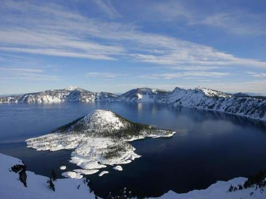 SAL0523-Crater Lake road