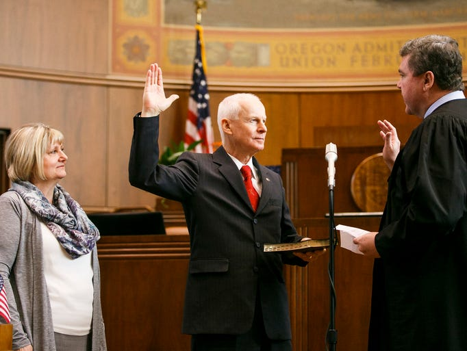 Dennis richardson sworn in as secretary of state for Supreme motors portland oregon