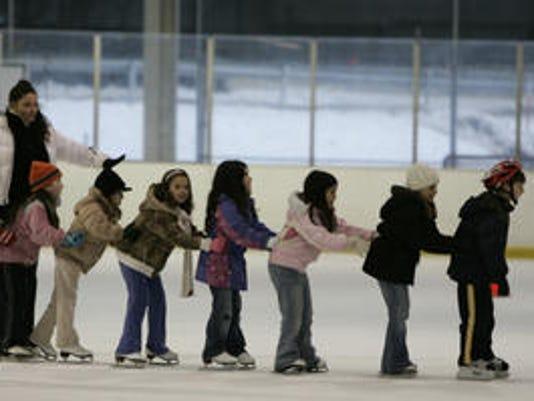 636540268547192287-skating.jpg