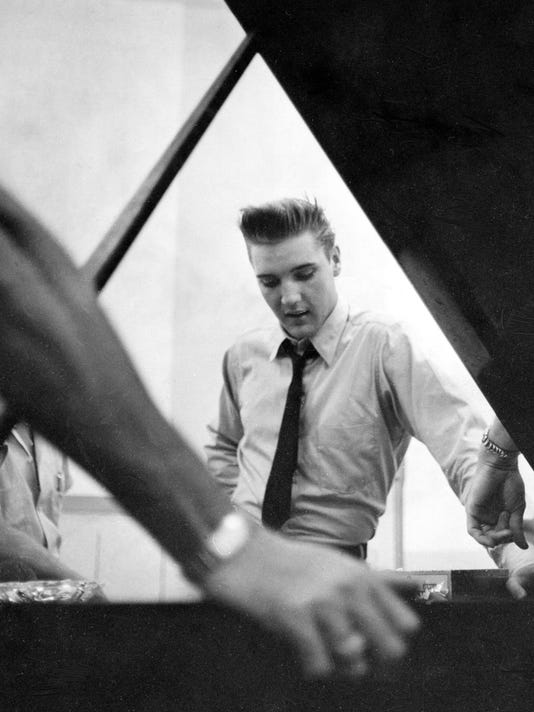Elvis Presley in RCA Studio B