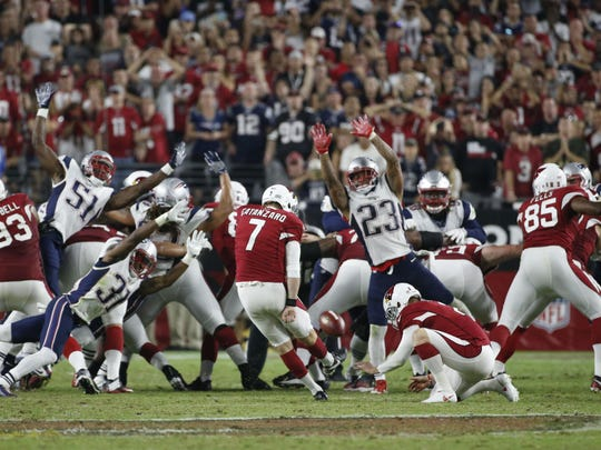 Cardinals kicker Chandler Catanzaro misses a potential game-winning field goal against the Patriots, Sept, 11, 2016.