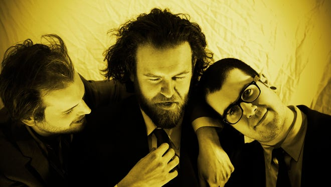 Mutts play Sunday at Deja Vu.