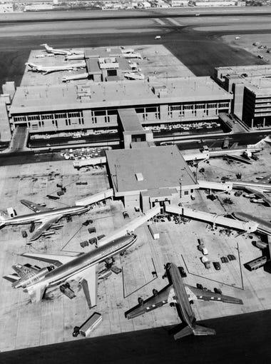 Terminal 3 in operation at Sky Harbor Airport in Phoenix, December of 1979.