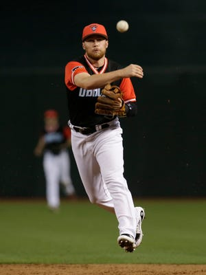 Aug 25, 2017: Arizona Diamondbacks second baseman Brandon Drury (27) makes the off balance throw for the out against the San Francisco Giants in the sixth inning at Chase Field.