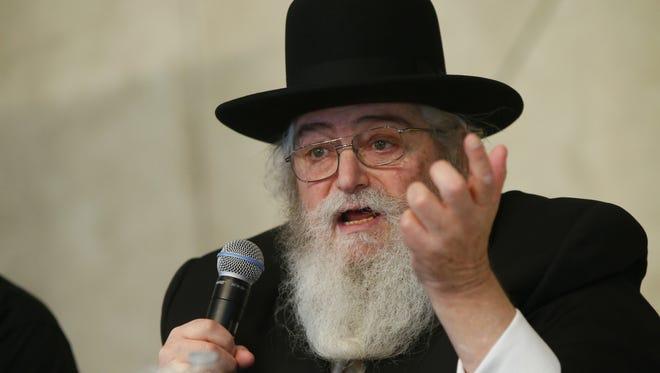 Rabbi Philip Lefkowitz talks about Orthodox Judaism at St. Aloysius parish. Jackson Twp.,NJ.  Sunday, October 30, 2016.
