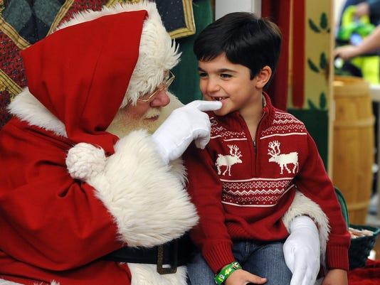 WL-Santa at Cumberland Mall