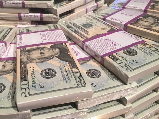 636132562736516715-Cash.jpg