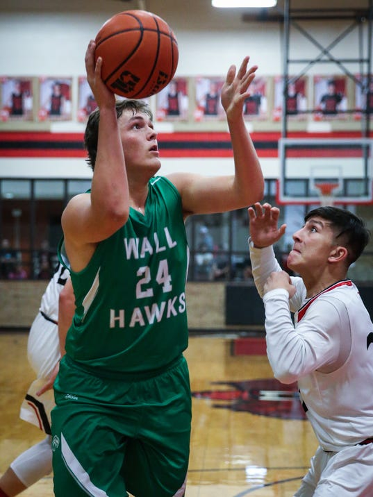 Ballinger vs Wall boys basketball Friday, Jan. 12